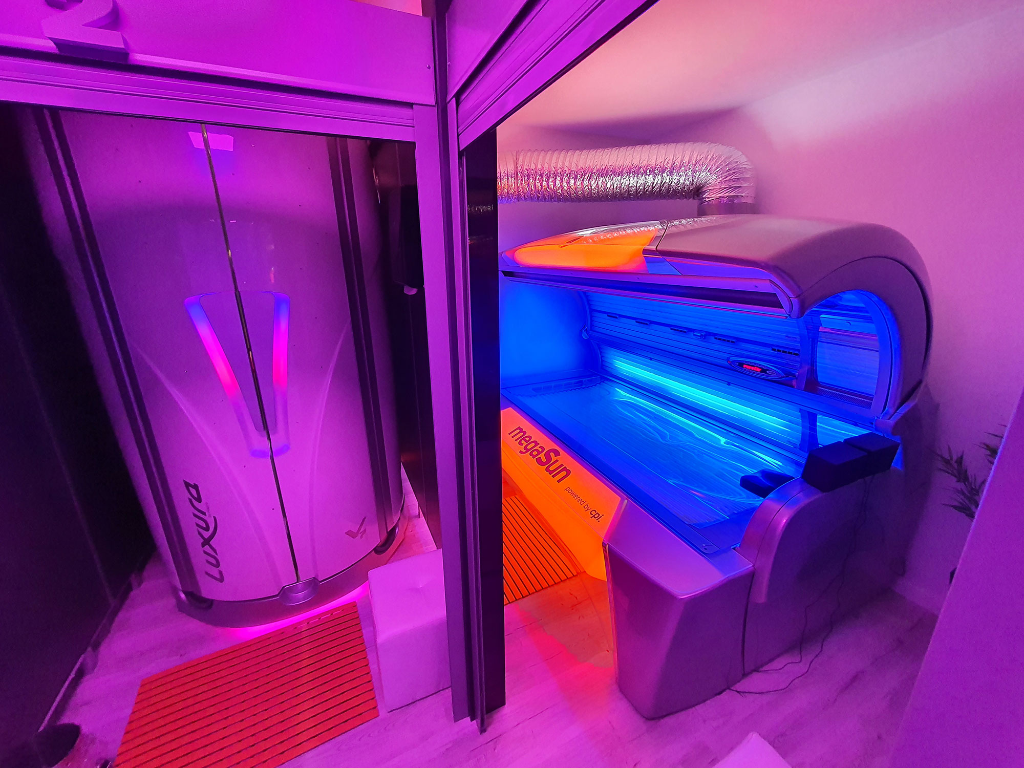 California Studio Solar - Salon Bronzare Iași